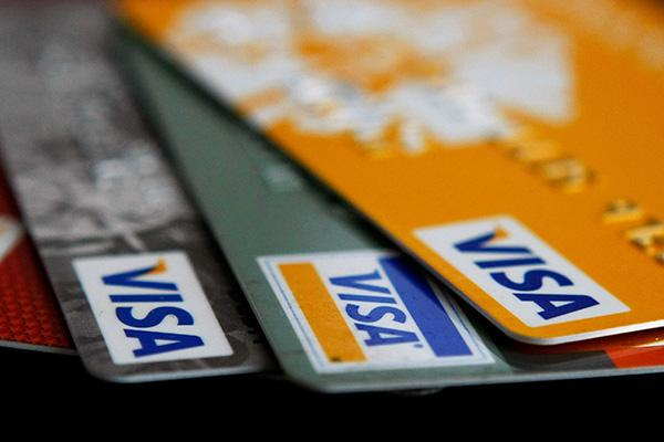 Students Face Crippling Credit Card Rates – Reasons To Stop Using The Debt Generators