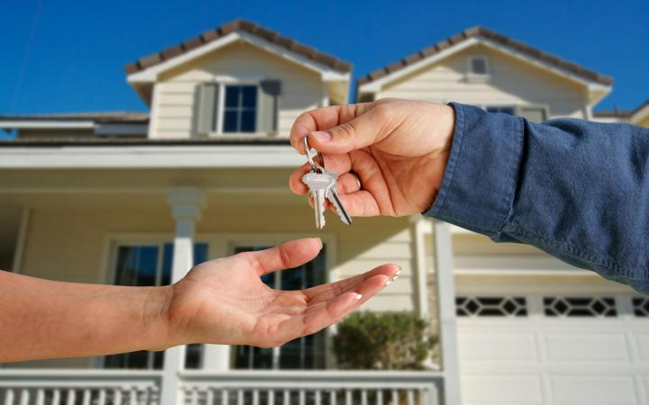 Don't Struggling In Buying Property – Get Help Property Management